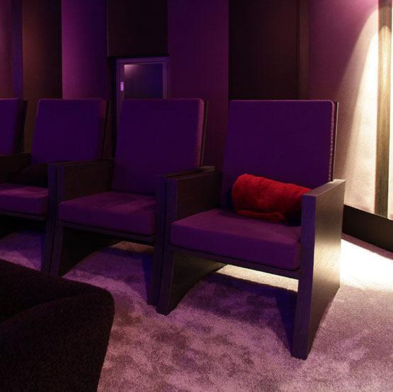 le sp cialiste du home cin ma en pi ce de vie conseil installation. Black Bedroom Furniture Sets. Home Design Ideas