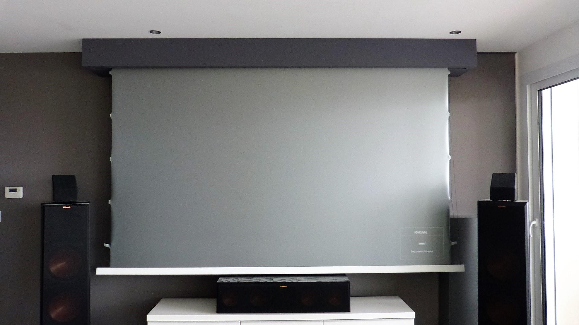 Installation d'un écran Xtrem Screen Elite Slim